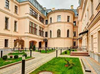Исторический особняк Кушелева-Безбородко